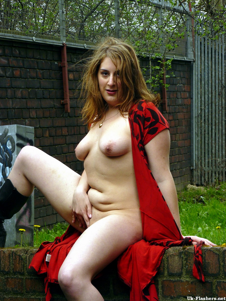 show your girls amateur nude british
