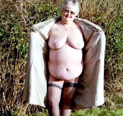 Older nude housewives